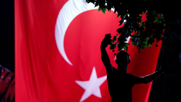 Katastrophale Zustände in türkischen Gefängnissen. So müssten die Häftlinge in Schichten schlafen.