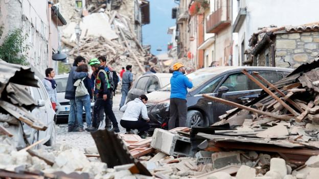 Trümmer und Zerstörung in Amatrice, im Zentrum Italiens