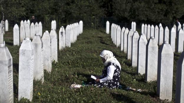Bild vom Potocari-Denkmal in der Nähe von Srebrenica.