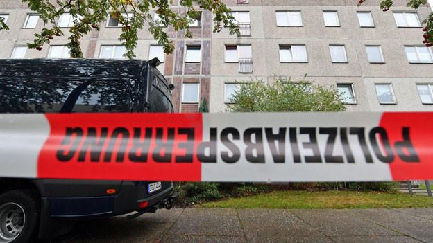 Am Wochenende wurde in einer Wohnung im ostdeutschen Chemnitz eine grössere Menge Sprengstoff gefunden. Ein verdächtiger Syrer wurde nach stundenlanger Suche am Montag gefasst.