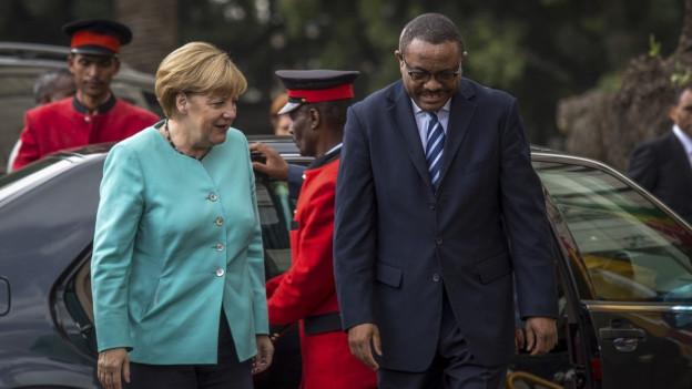 Die deutsche Kanzlerin Angela Merkel mit dem äthiopischen Premier Hailemariam Desalegn in Addis Abeba.