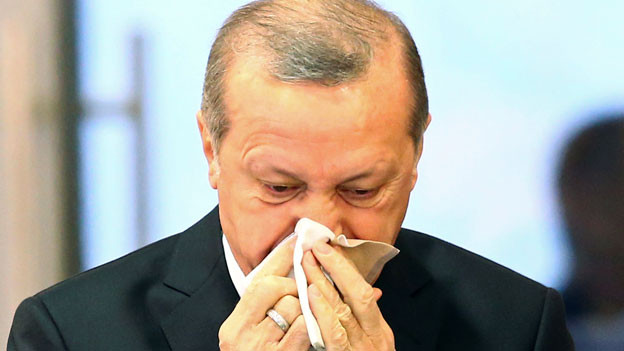 Der türkische Präsident Tayyip Erdogan droht: «Wenn Ihr noch weitergeht, dann werden diese Grenzübergänge geöffnet.»