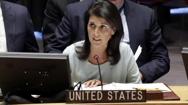 UNO-Botschafterin der USA, Nikki Haley, kritisiert Russland überraschend scharf im UNO-Sicherheitsrat.