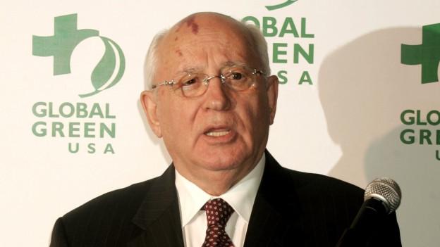 Ex Green Cross Präsident Michael Gorbatschow macht dem Schweizer Ableger Vorwürfe.