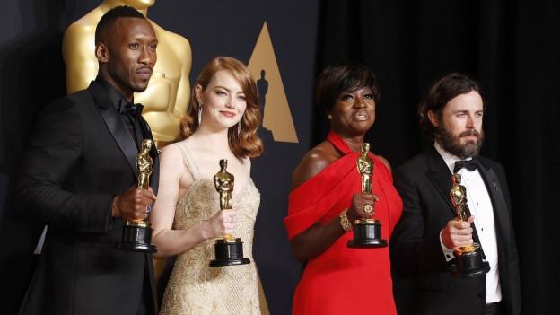 Gewinner und Gewinnerinnen der Oscars für beste Haupt- und Nebendarsteller.