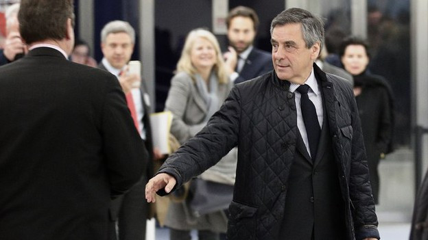 François Fillon vor dem Hauptquartier der Republikaner in Paris.