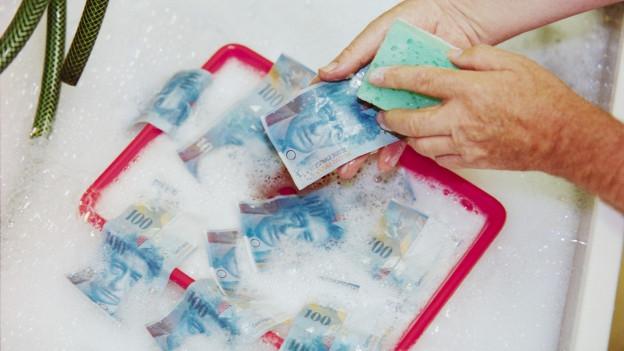 Auch ein Versuch, schmutziges Geld zu waschen: Symbolbild zu Geldwäscherei