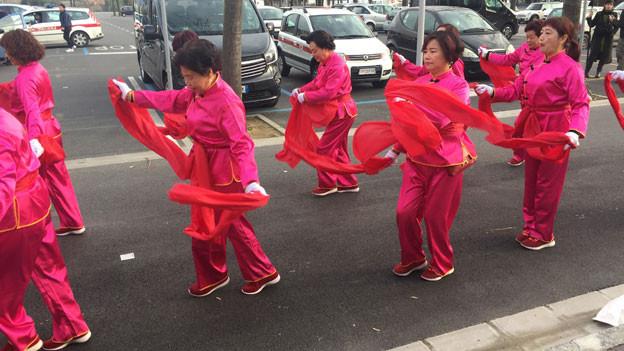 Chinesische Einwanderer feiern in der Altstadt der toskanischen Stadt Prato das traditionelle chinesische Neujahrsfest. Dort lebt eine der grössten chinesischen Gemeinde Italiens.