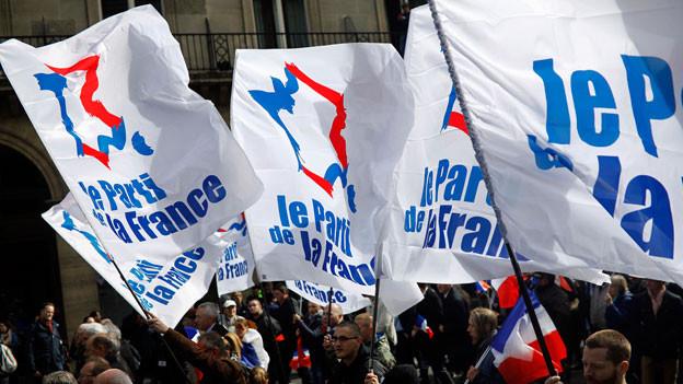 Anhänger des Front National an der 1.Mai-Kundgebung in Paris.