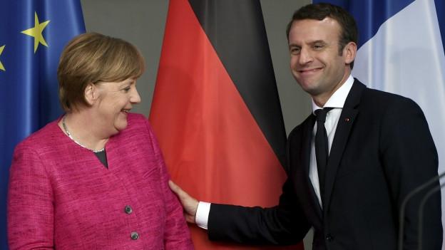 Ein Antrittsbesuch voller Harmonie: Angela Merkel empfängt den neuen französischen Präsidenten Emmanuel Macron in Berlin.