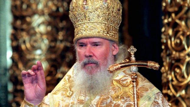 Der russische Patriarch Alexy II. an der orthodoxen Weihnachtsfeier.