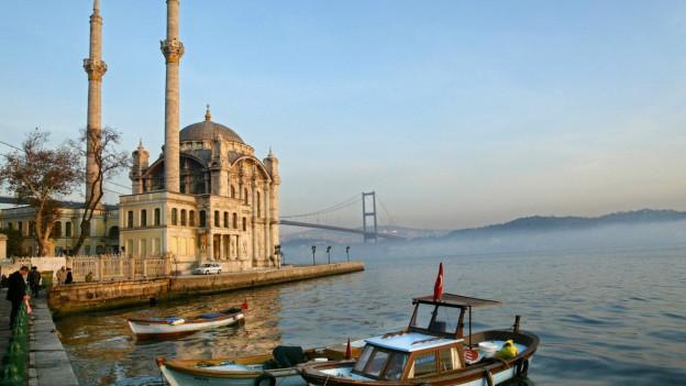 Eine Moschee am Bosporus
