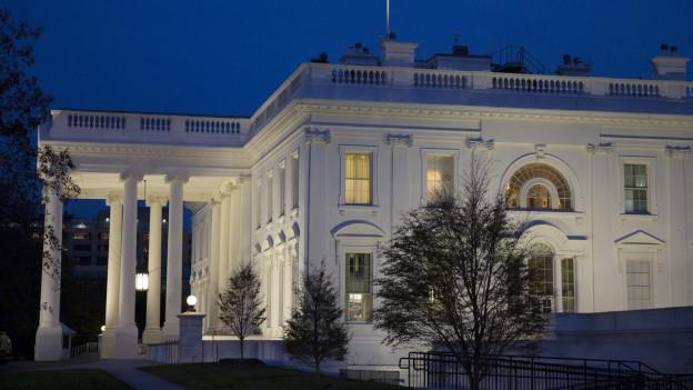 Auf dem Bild ist das Weisse Haus in Washington zu sehen.