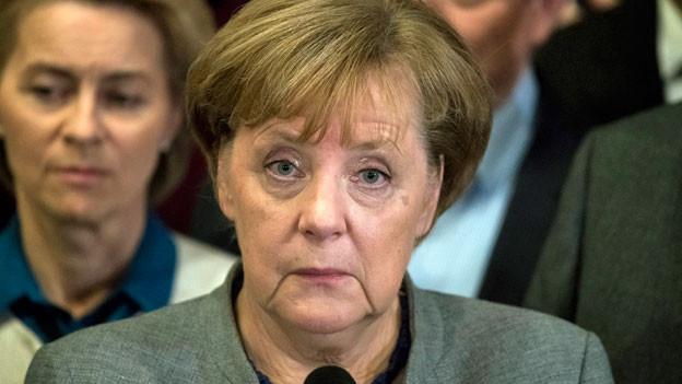 Die deutsche Bundeskanzlerin Angela Merkel gibt eine Erklärung ab, nachdem die Vorgespräche über die Bildung einer neuen deutschen Regierung gescheitert sind.