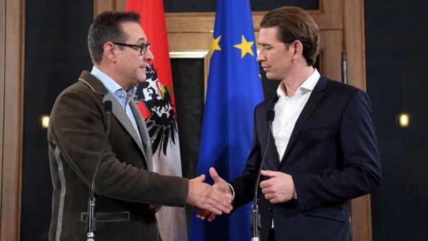 Regierungsbündnis vereinbart: Zu sehen sind die Parteichefs Heinz-Christian Strache (FPÖ) und Sebastian Kurz (ÖVP).