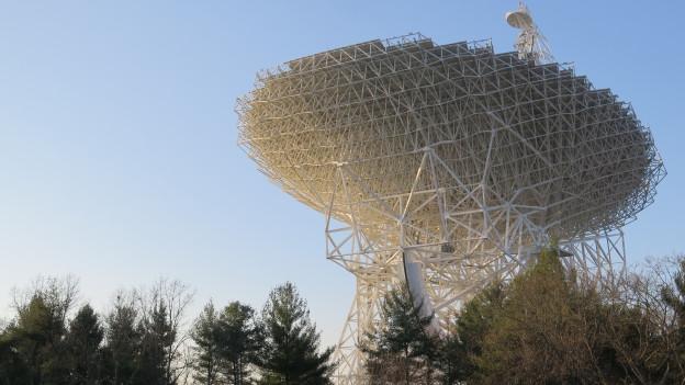 «Das All flüstert uns zu.» Das Teleskop in Greenbank nimmt es auf.