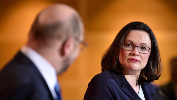 Martin Schulz soll die SPD-Parteispitze an Andrea Nahles abgeben.