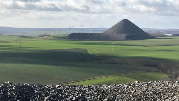 Pyramide am Rande des Südharz zwischen Leipzig und Göttingen (Deutschland).