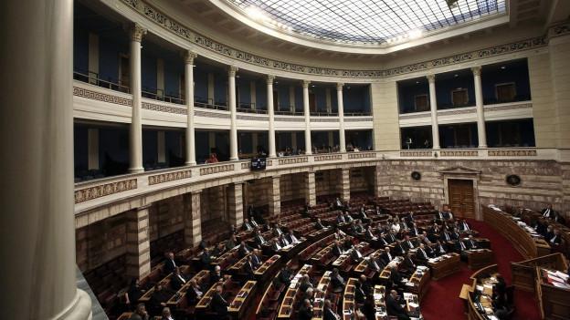 Plenarsaal des griechischen Parlaments: 20 Stunden debatierten hier die Abgeordneten - und beschlossen, Untersuchungen in einer Korruptionsaffäre zu starten, in die Novartis verwickelt sein soll.