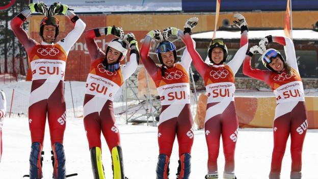 Das Schweizer Team auf dem Podest.