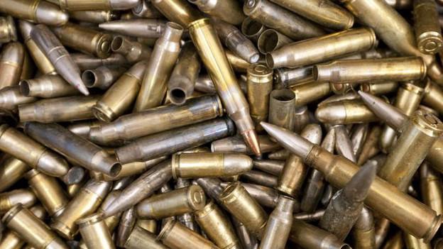 Kiste voller Munition.