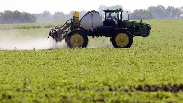 Unsicher, was auf ihn zukommt: Zu sehen ist ein Soja-Bauer in Granger, Iowa.