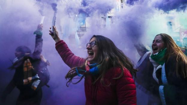 Ihre Proteste zeigten Wirkung: Das argentinische Parlament will Abtreibungen erlauben.