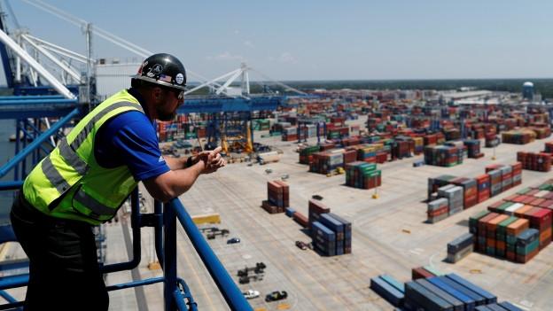 Zu sehen ist ein Containerhafen in South Carolina/USA.