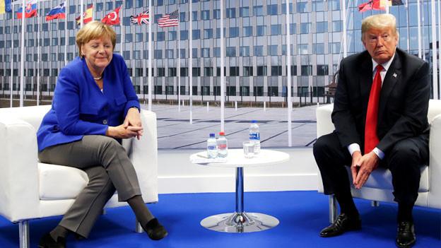 Bundeskanzlerin Angela Merkel mit US-Präsident Donald Trump am Nato-Gipfel in Brüssel.