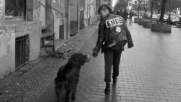 Berlin 1988 – Punkerin in Kreuzberg, Westberlin.