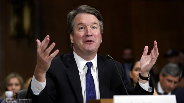 auf dem Bild zu sehen ist Brett Kavanaugh der sich bei der Senats-Anhörung verteidigt