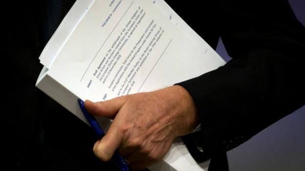 Der über 500-Seiten dicke Vertrag über den Brexit.