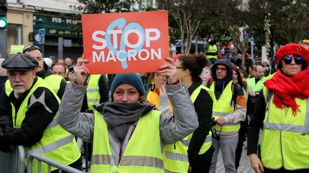 Der französische Präsident Macron zeigt Härte gegenüber den Gelbwesten.