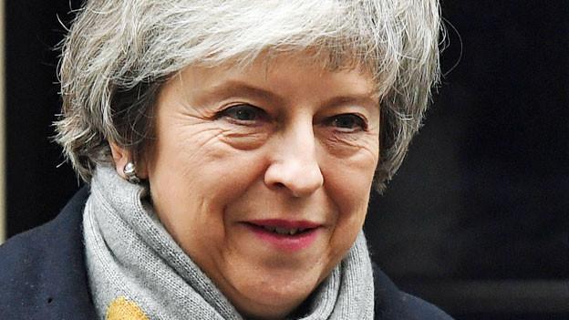 Die britische Premierministerin Theresa May verlässt im Anschluss an eine Kabinettsitzung am 15. Januar 2019 die Downing Street in London.