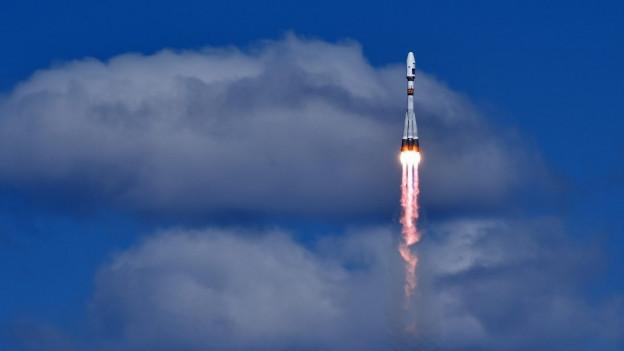 Eine russische Sojus-Rakete auf ihrem Weg ins Weltall