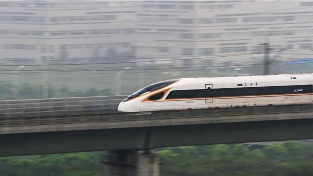 Von Schanghai bis Peking in 4 ½ Stunden – das sind 4000 Kilometer.