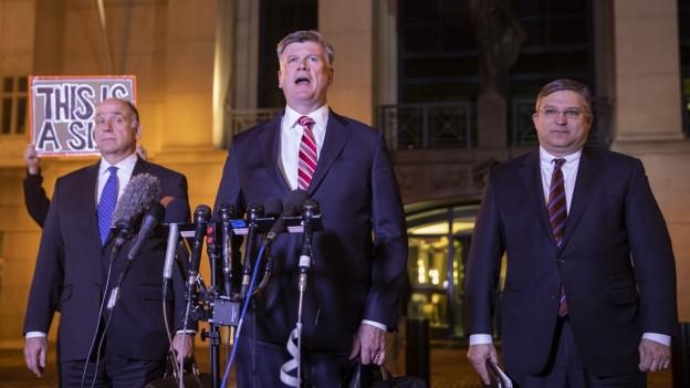 Drei Verteidiger von Paul Manafort nach dem Urteil