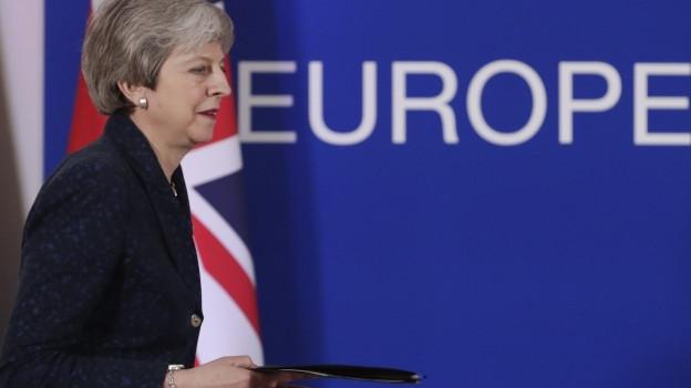 Theresa May vor einer «Europa»-Aufschrift