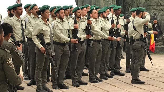 Israelische Soldaten am jährlichen Holocaust-Gedenktag.
