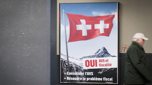 Ein Plakat zur Volksabstimmung über die Steuerreform und Finanzierung der AHV in Lausanne.