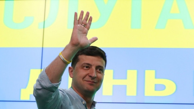 Das Bild zeigt den ukrainischen Präsidenten Ein Erdrutschsieg für die Partei «Diener des Volkes» von Wolodymyr Selensky.