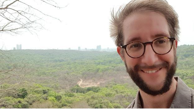 SRF-Südasienkorrespondent Thomas Gutersohn im Sanjay Gandhi Nationalpark.