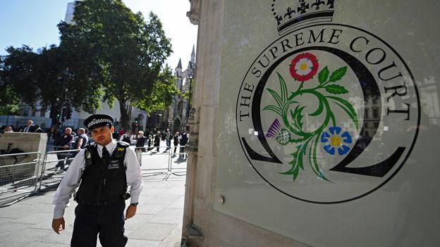 Vor dem Obersten Gerichtshof in London.