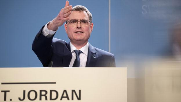 Thomas Jordan, Präsident des Direktoriums der Schweizerischen Nationalbank SNB, spricht am Jahresend-Mediengespräch der SNB, am Donnerstag, 12. Dezember 2019, in Bern.