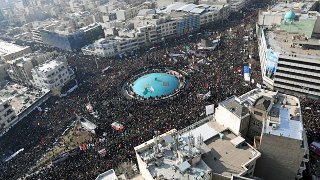 Beerdigung des iranischen Revolutionsgarde Qassem Soleimaniund anderer Opfer in Teheran.
