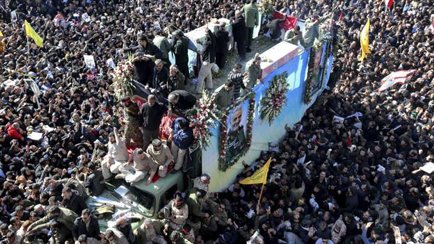 Trauerzug für den getöteten General Kassem Soleimani in der Stadt Kerman, Iran, am Dienstag, den 7. Januar 2020.