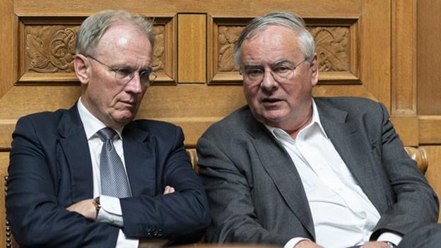 Hans-Ulrich Bigler (links) diskutiert mit Jean-Francois Rime.