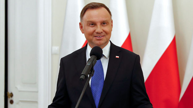 Der polnische Präsident und Präsidentschaftskandidat der Partei Recht und Gerechtigkeit (PiS), Andrzej Duda nach der Bekanntgabe der ersten Umfrageergebnisse der zweiten Runde der Präsidentschaftswahlen.
