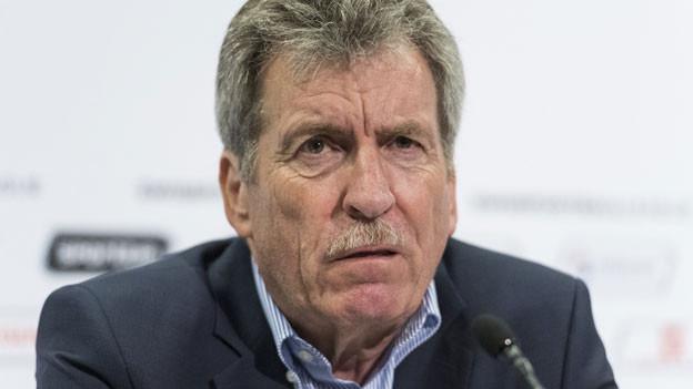 Heinrich Schifferle, Präsident der Liga, informiert über die Beschlüsse der ausserordentlichen Generalversammlung der Swiss Football League, am Freitag, 29. Mai 2020 im Stade de Suisse in Bern.
