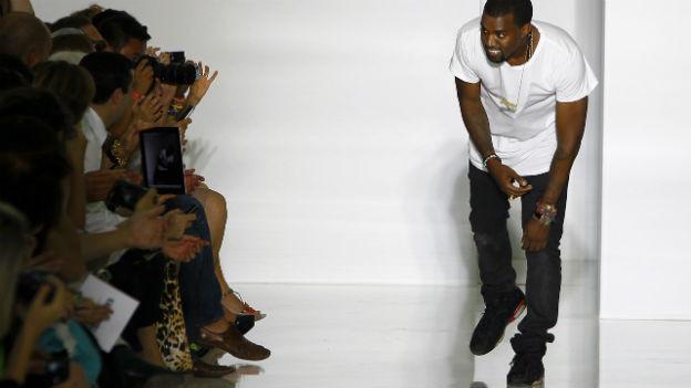 Kanye West nimmt Applaus entgegen